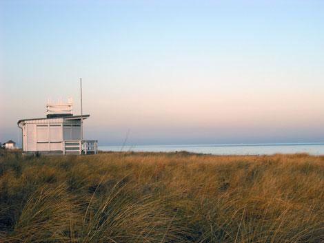 Strand in Kühlungsborn an einem sonnigen Wintermorgen